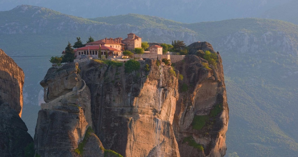 meteora-monastries-greece_wallpprs.com_.jpg